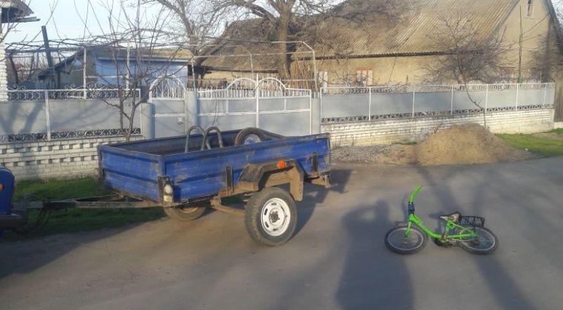 Измаильский р-н: в селе Озерное ребенок на велосипеде попал под прицеп автомобиля