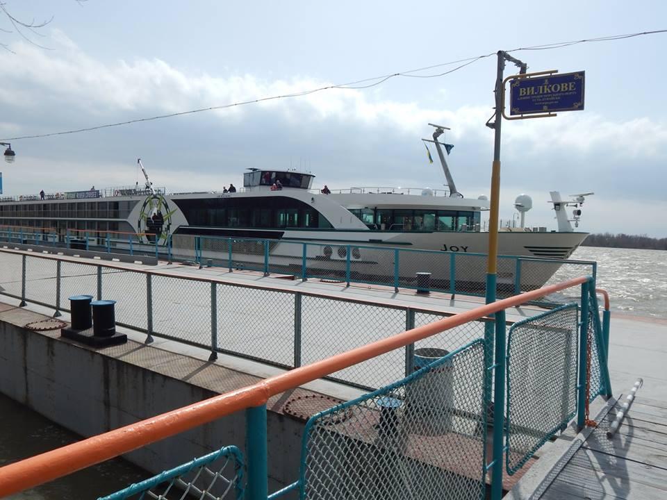 Открытие круизного сезона: Вилково посетило швейцарское судно с сотней туристов на борту