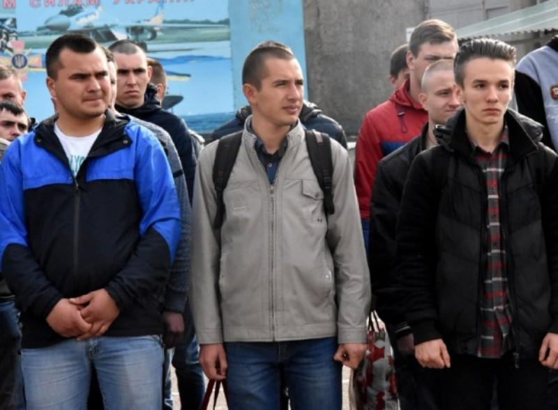 Первые полторы сотни призывников из Одесской области отправились в армию в рамках весеннего призыва
