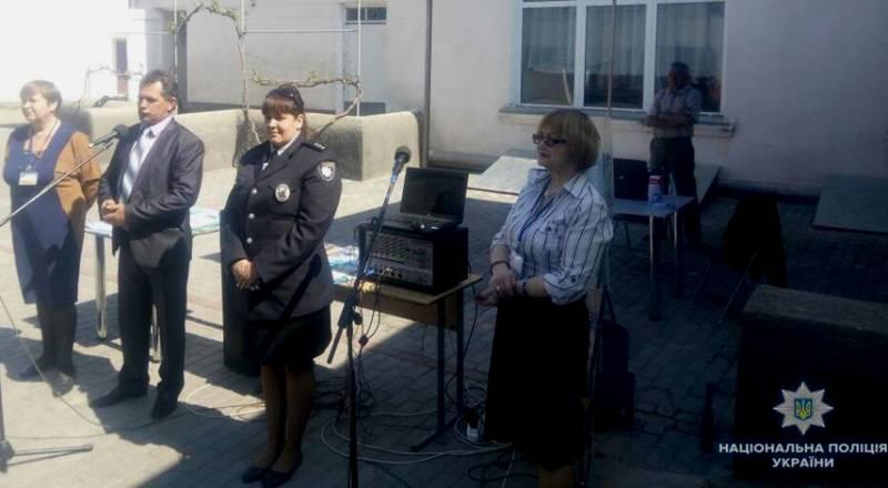 Определяемся с профессией: выпускники одной из школ Измаильского района узнавали, как стать полицейскими