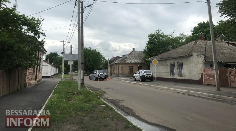 """Измаил: на пересечении Семинарской и Холостякова не поделили дорогу """"девятка"""" и Padjero"""