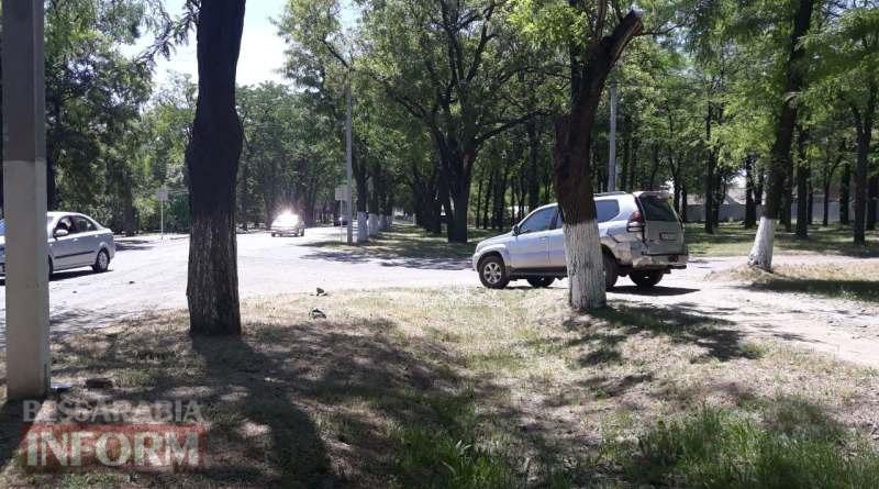 """Очередное ДТП: в Измаиле """"Mercedes-Benz"""" при столкновении развернул на 180 градусов """"Toyota Land Cruiser"""""""