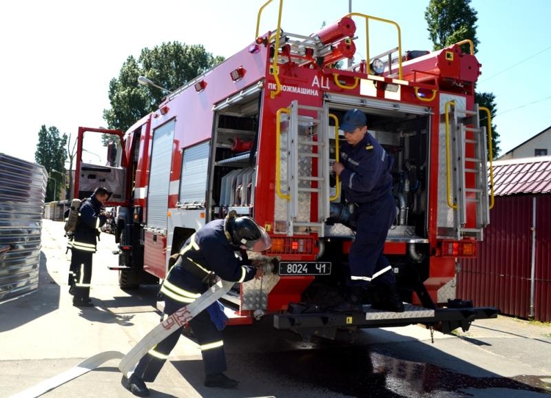 Дабы нам отдыхалось спокойно: в Затоке спасатели тушили условный пожар в пансионате