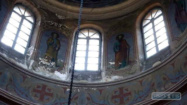 В Рени старинный Свято-Вознесенский собор рушится изнутри