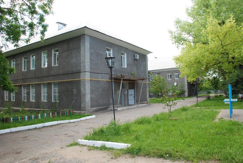 В Болграде снесли казарму, которую должны были реконструировать под жилье для военных