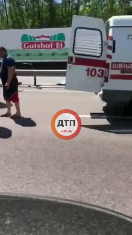 """Чем круче авто, тем больше скорость: 2 жуткие аварии со смертельным исходом на трассе """"Одесса-Киев"""""""