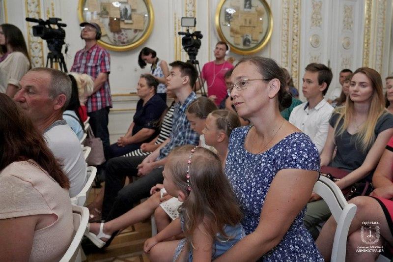"""52 женщины Одесчины получили звание """"Мать-героиня"""""""