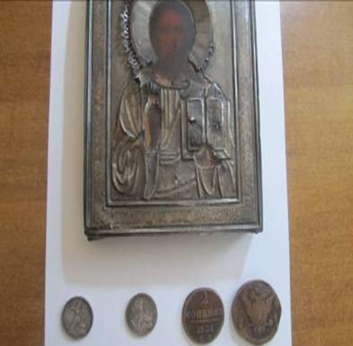 Старинная икона и монеты: Белгород-Днестровские пораничники выявили в рейсовом автобусе предметы старины
