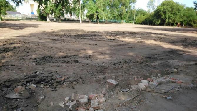 В Болграде снесли старую спортивную площадку и строят масштабный современный стадион