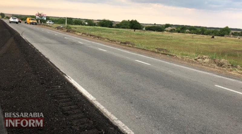 Опасный ремонт трассы Одесса-Рени: под Измаилом автомобиль слетел в кювет из-за необозначенных ремонтных работ
