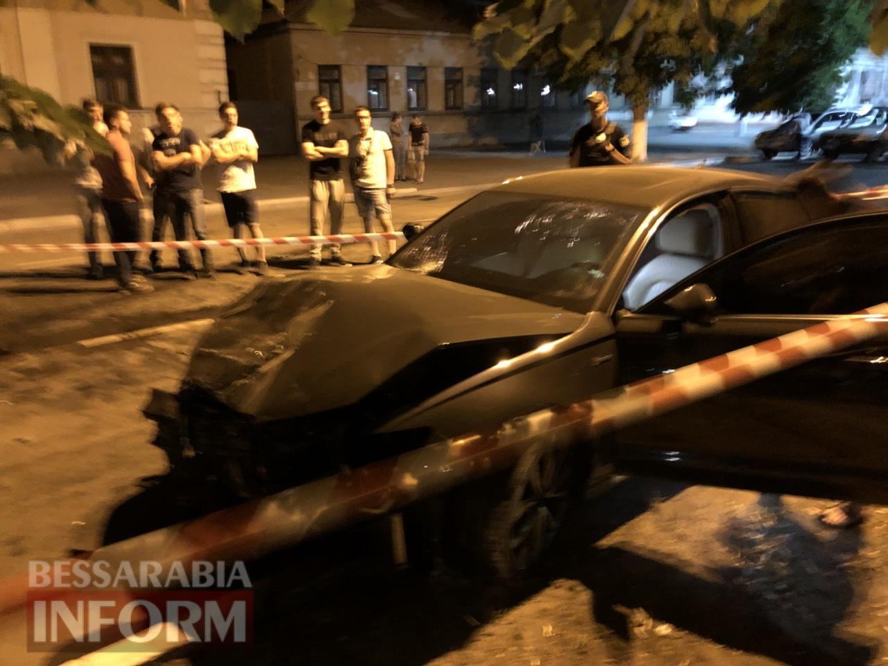 """Ночное ДТП в Измаиле: на проспекте Суворова Audi на огромной скорости протаранила """"копейку"""". Есть пострадавшие"""