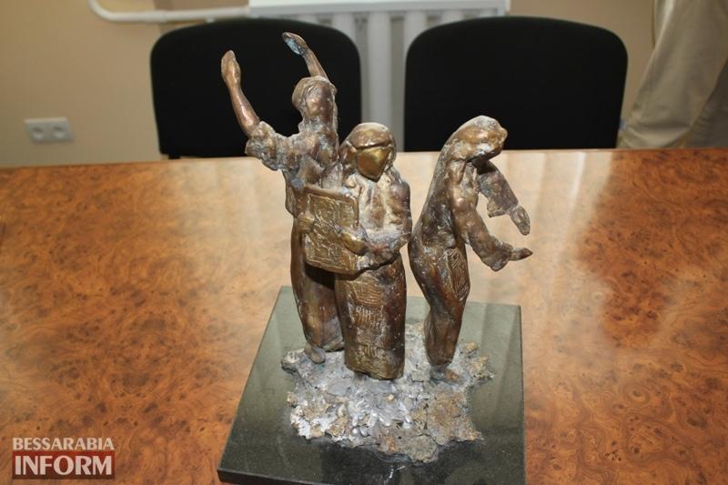 """Измаил: в сквере возле кафедрального собора появится бронзовая статуя """"Вера. Надежда. Любовь"""""""