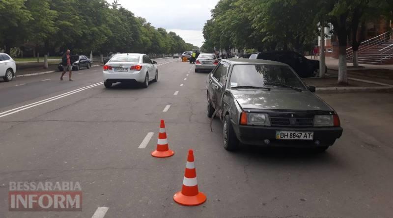 """Измаил: возле """"Стинола"""" ВАЗ врезался в HyundaiTucson"""