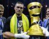 Украинец Александр Усик стал абсолютным чемпионом мира, одержав победу над российским боксером (видео боя)