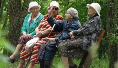 Кому жить станет тяжелее после пенсионной реформы: украинцам или россиянам?