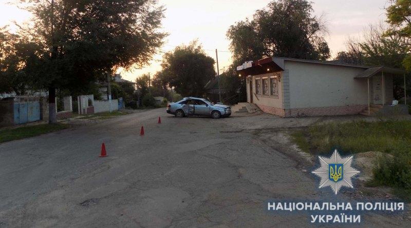 """В Татарбунарах ночью молодежь на """"Audi"""" врезалась в здание магазина. Погиб молодой парень"""