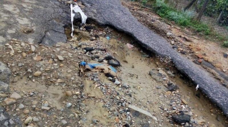 В Ренийском районе сильный ливень с грозой разрушил четыре сельские дороги, затопил дворы и обесточил сотни домов