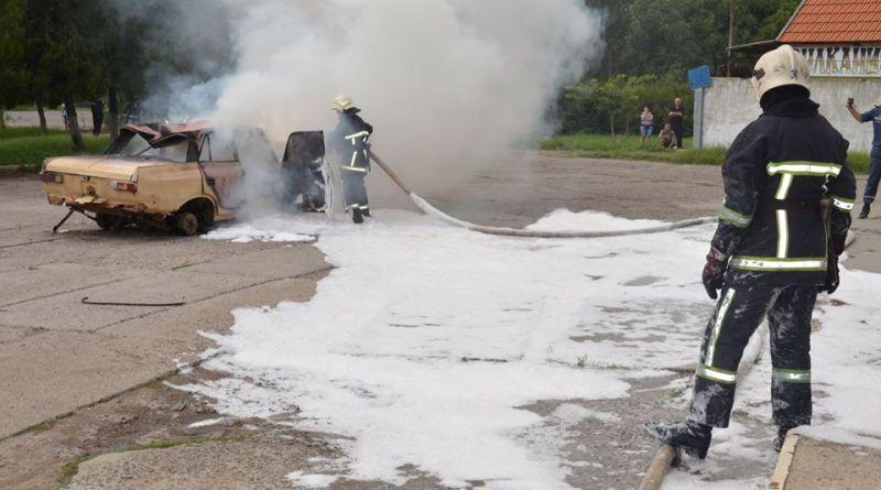 В Татарбунарах для спасателей, медиков и полиции провели эффектные учения