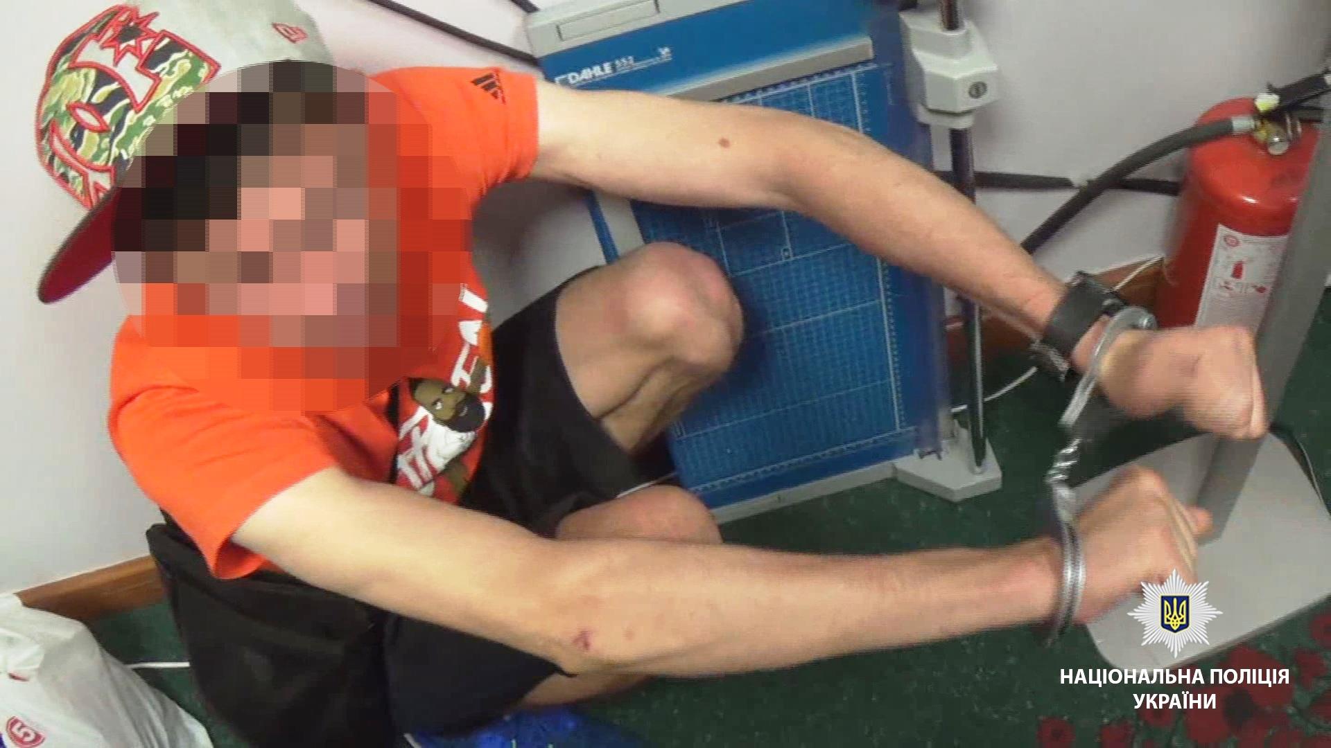 Подробности задержания вора-альпиниста, который украл из квартиры одесского бизнесмена почти 1 млн долларов