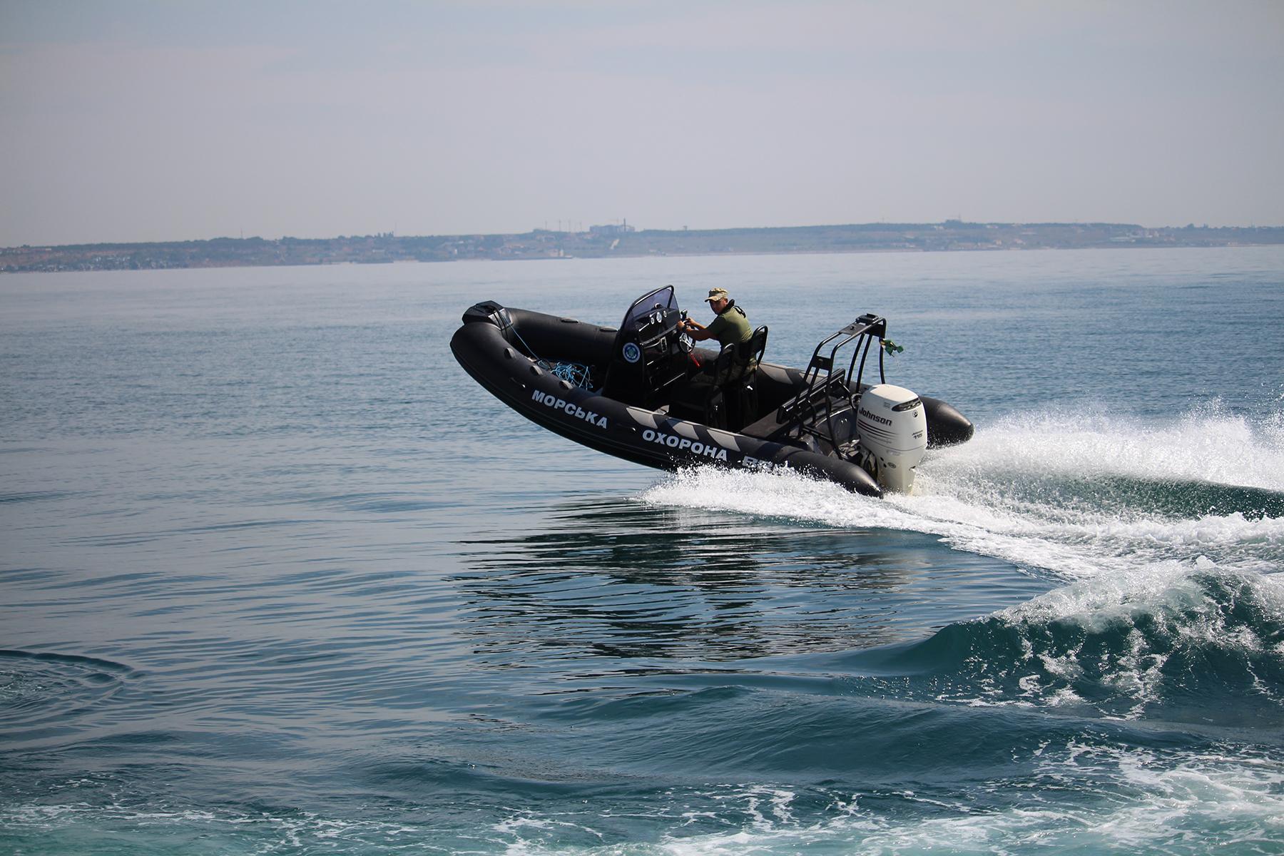 В ходе учений «Си Бриз-2018» пограничники Одесского отряда десантировались в море без парашютов