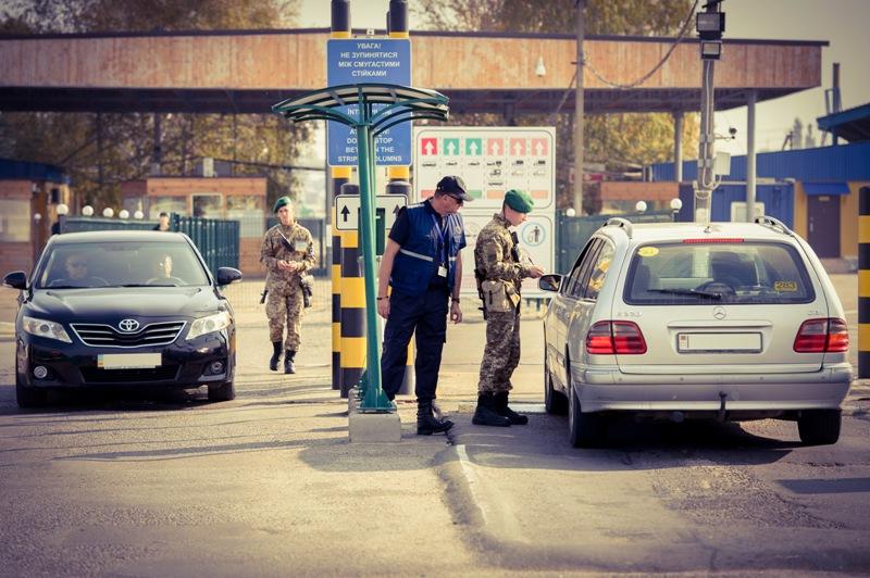 2 млн. человек и 483 тысячи авто пропустили пограничники Белгород-Днестровского отряда за полгода
