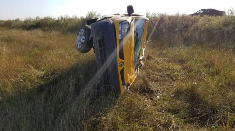 """На автодороге """"Килия-Струмок"""" автомобиль, несколько раз перевернувшись, слетел с дороги в поле"""