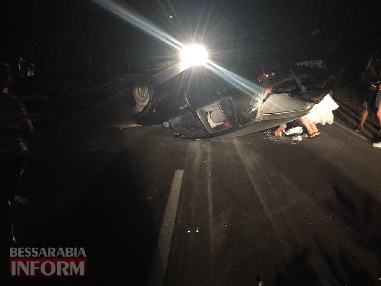 В Спасском авто с тремя взрослыми и детьми перевернулось из-за не обозначенной насыпи земли на проезжей части