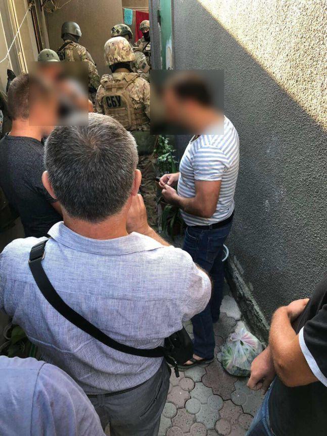 Правоохранители задержали автоугонщиков элитных машин, которые орудовали на территории 5 областей (ФОТО)