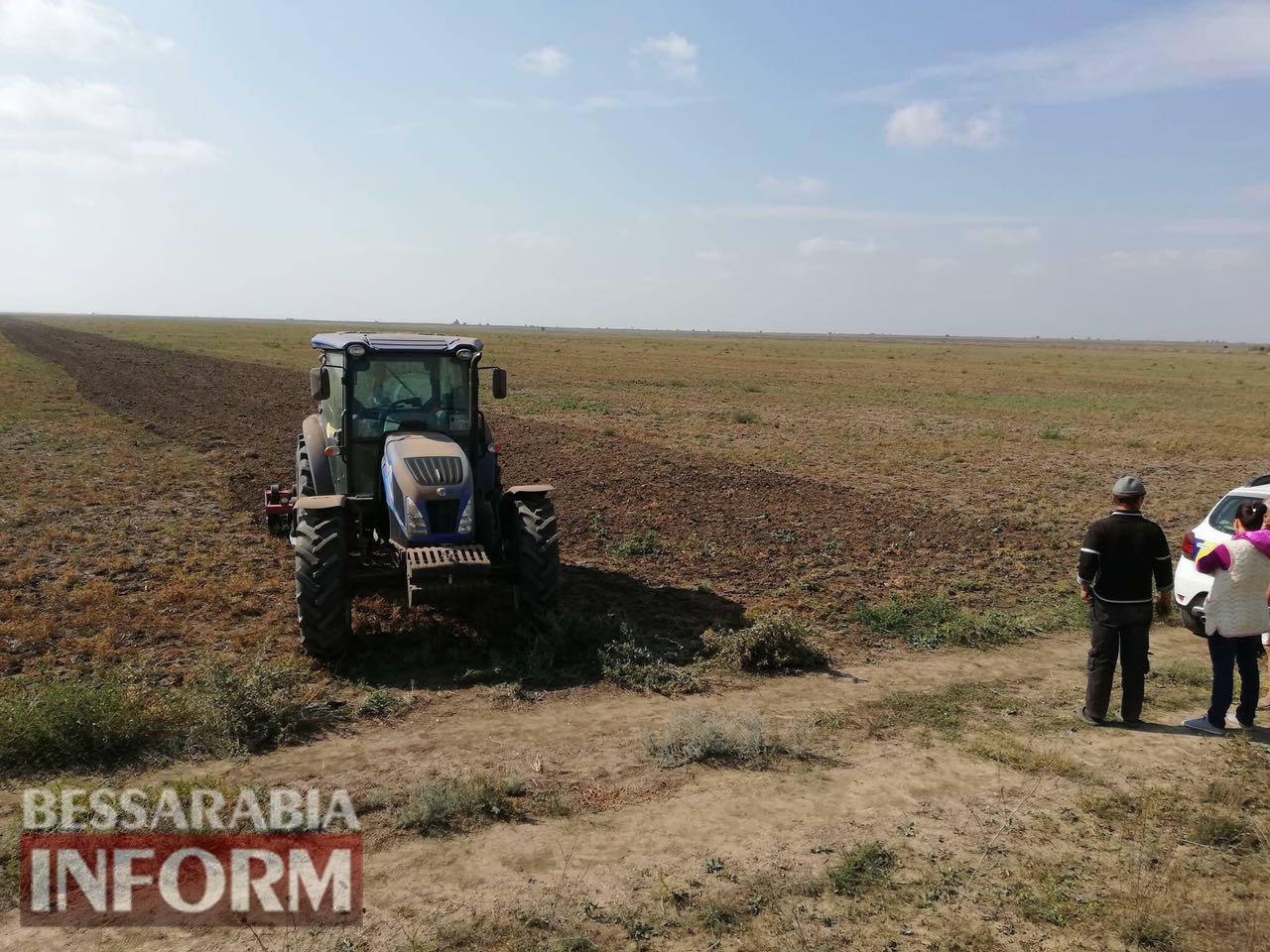 В Десантном у егеря, пытавшегося обрабатывать чужую землю без документов, арестовали технику