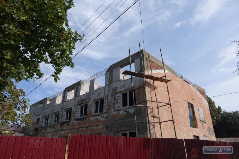 В Болграде начали реконструкцию служебного жилья для медиков
