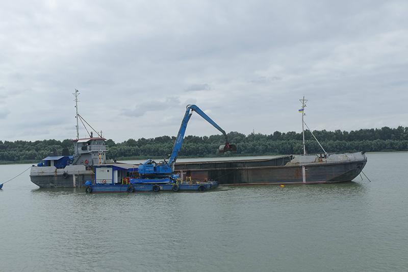 Румыны приступили к дноуглублению в Дунайских портах: начали с Измаила, следующий - Рени
