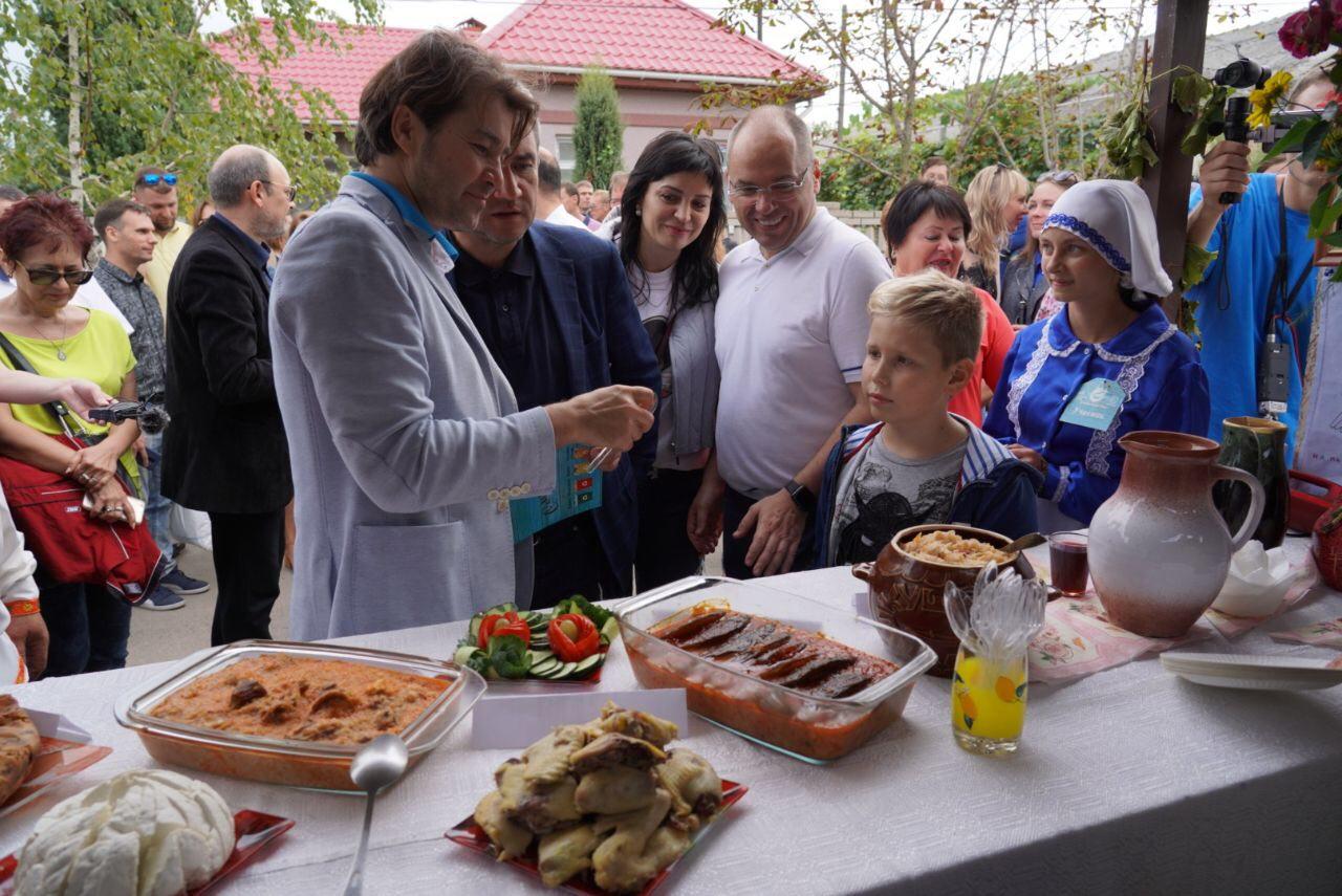 """В Вилково на гастрофестивале """"Дунайские гостины"""" установили рекорд по приготовлению ухи"""