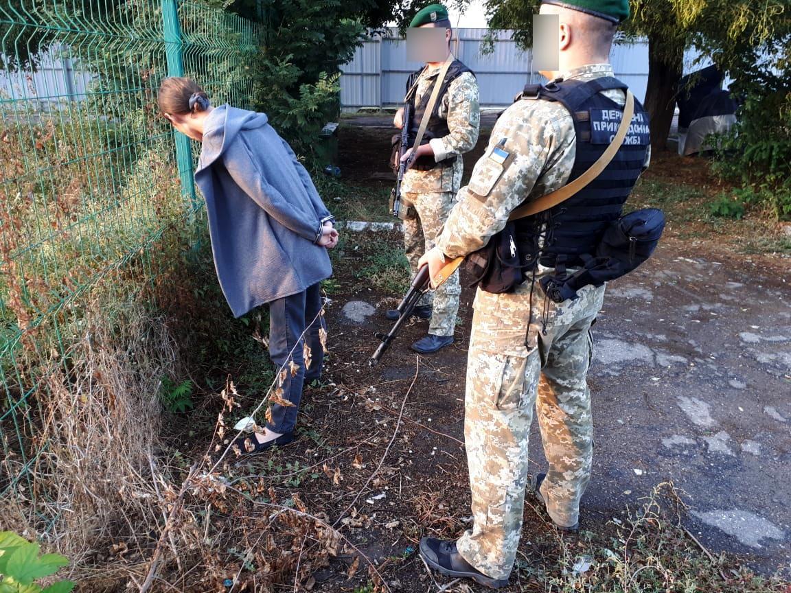 Переправляли нелегалов через Дунай в Румынию: в Бессарабии задержан организатор канала