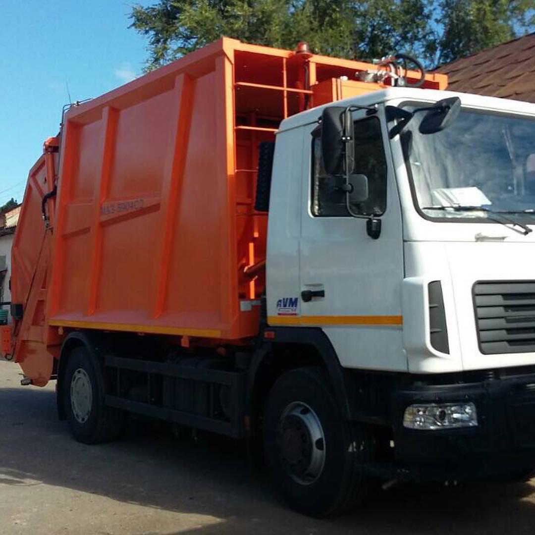 В Болграде наконец появился мусоровоз: будет чисто, но придется платить за кредит