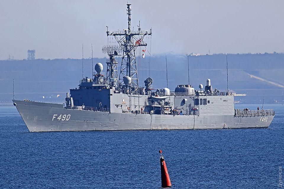 """США готовы передать Украине """"лишние"""" фрегаты с противокорабельными ракетами"""