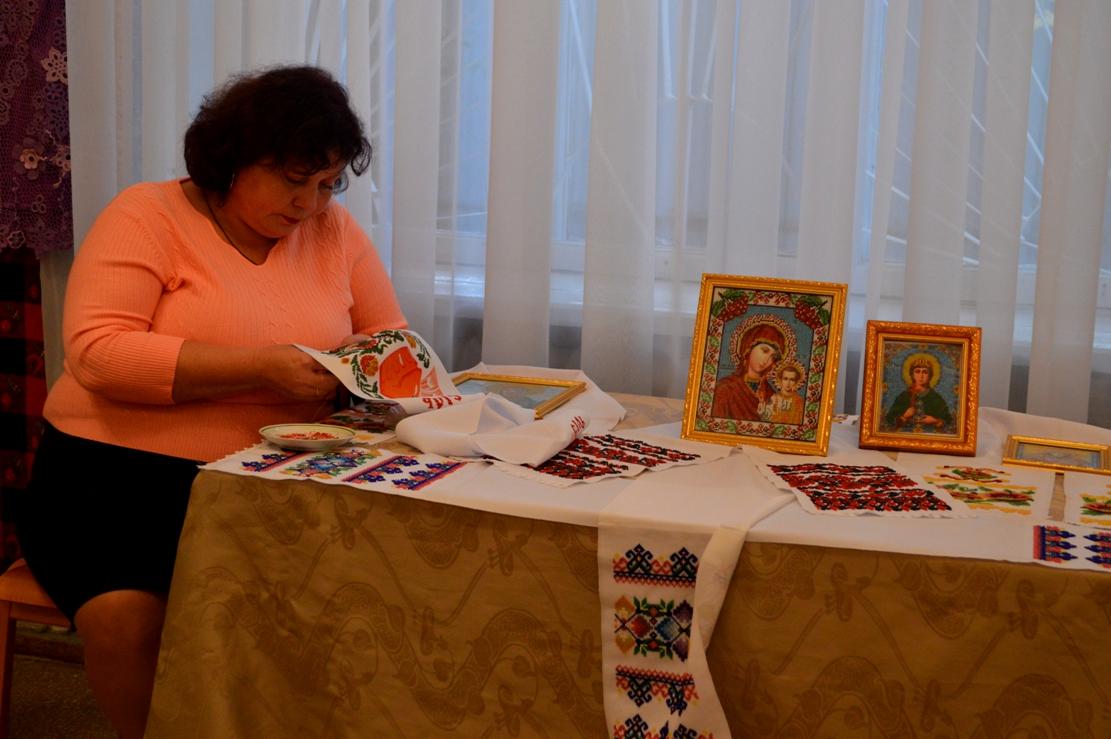 В Килии ко Дню города открыли выставку уникальной одежды и работ hand made местных умельцев (фото)