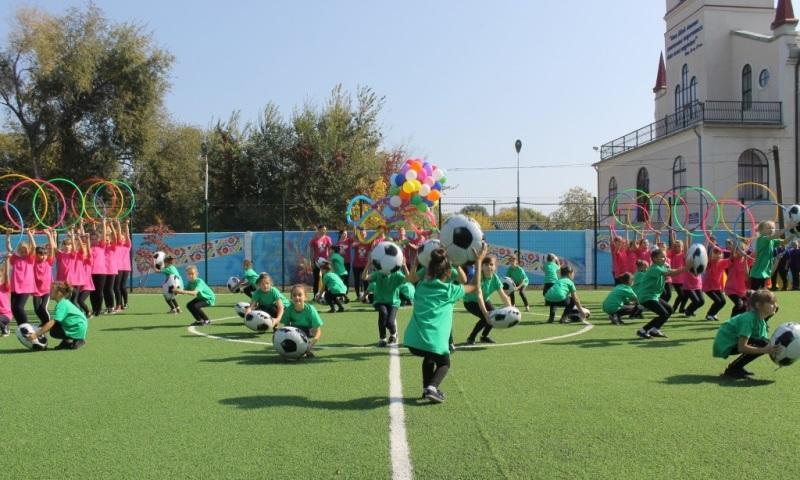 В Арцизе сегодня торжественно открыли спортивную площадку европейского уровня