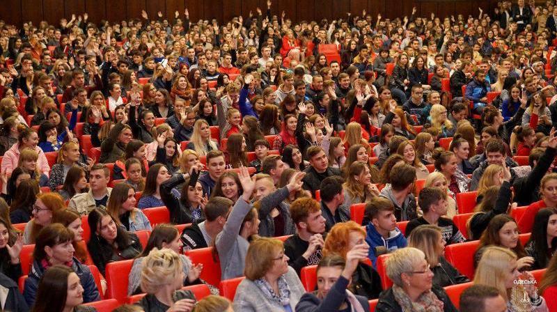 Жизнь без границ: перед студентами Одесской области выступил мотивационный тренер Ник Вуйчич