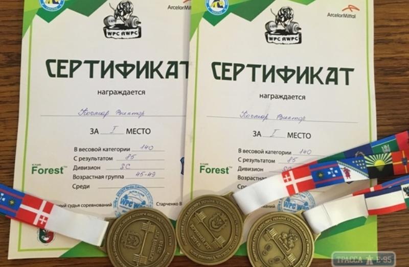 Священник-силач из села Кубей Болградского района вновь побил рекорд Украины