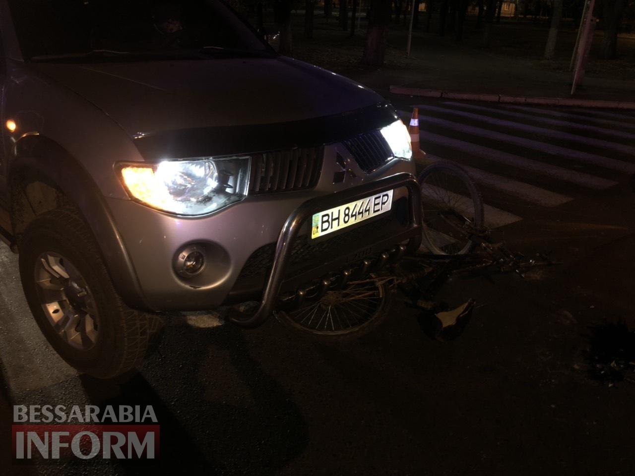 В Измаиле велосипедист попал на пешеходном переходе сразу под два автомобиля