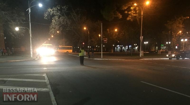 Неработающий светофор в центре Измаила показал, что водители массово не знают ПДД