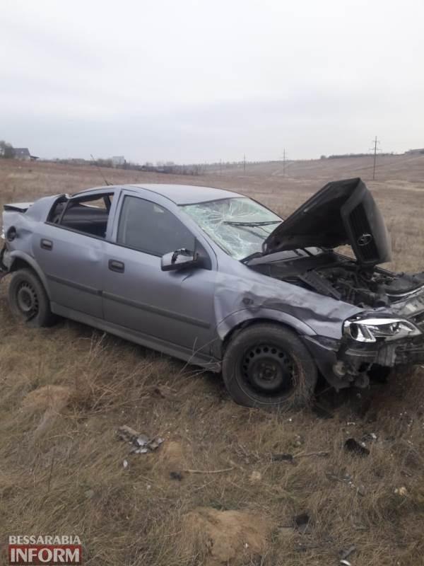 """Авария в Измаильском районе: на въезде в Броску """"Opel"""" слетел в кювет"""