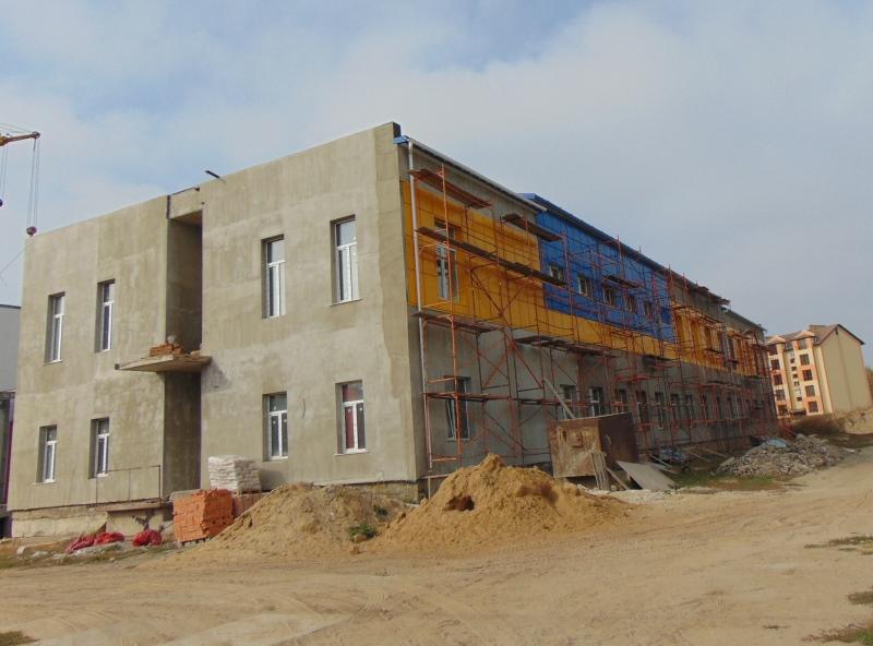 В Измаиле завершаются работы по возведению крыши над бассейном Дворца спорта