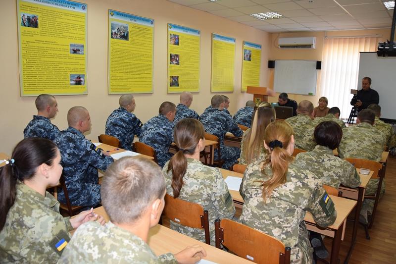 День украинской письменности и языка в Измаиле: пограничники впервые писали радиодиктант вместе со всей страной
