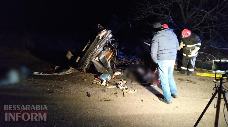 Бабушка спасла людей попавших в аварию около ее дома