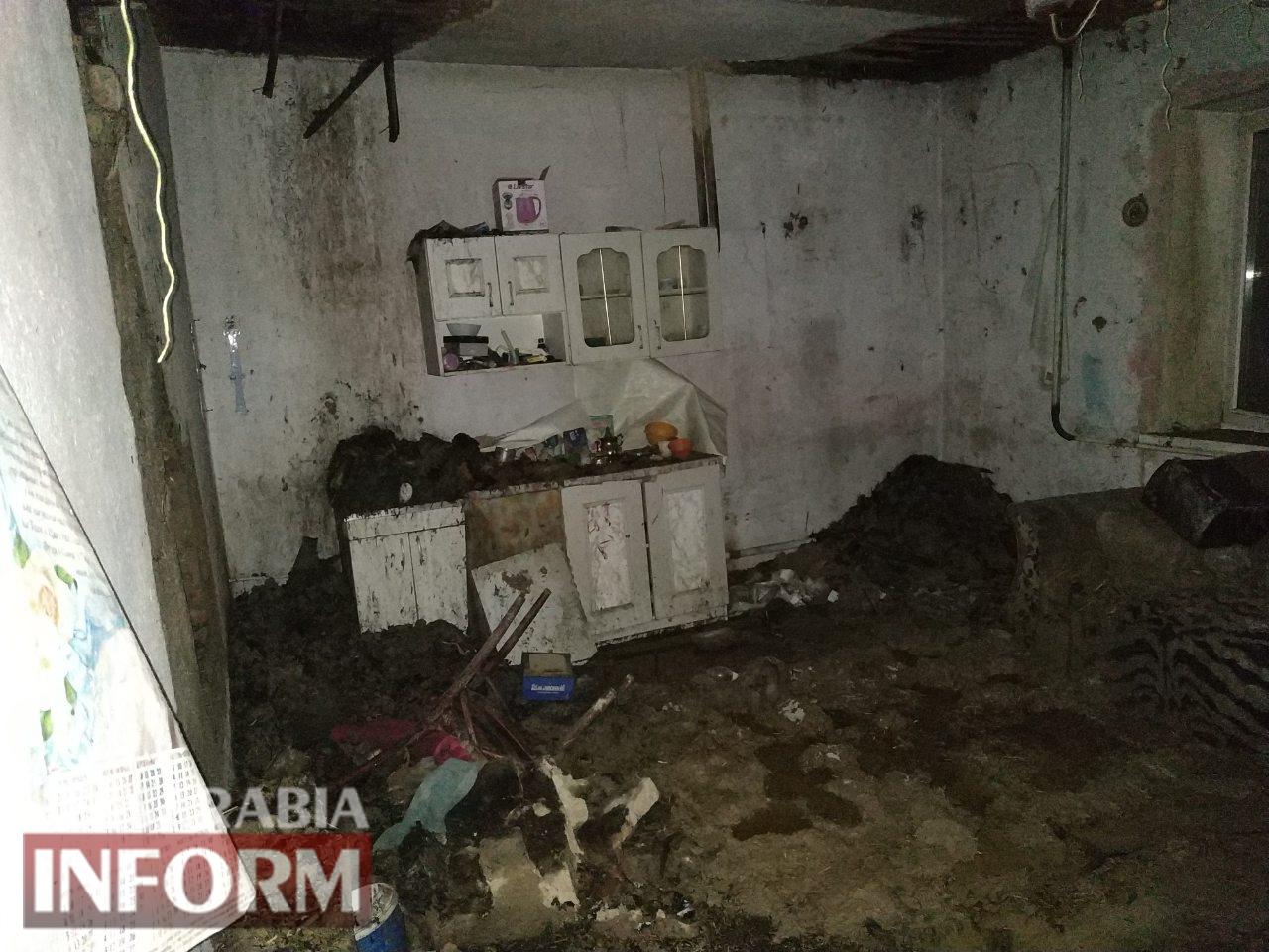 В Килии спасатели всю ночь тушили пожар в двухэтажном доме