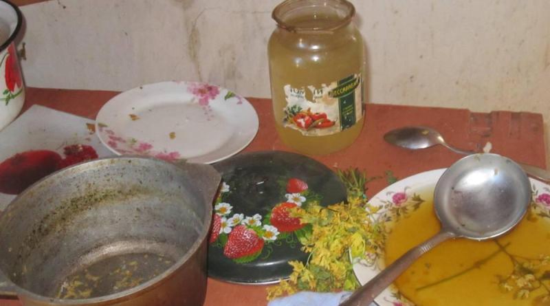 На Одесчине 10-летняя девочка несколько недель жила одна в заброшенном доме, в ожидании своей горе-матери