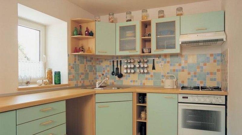 Обои или плитка на кухню? Разбираемся
