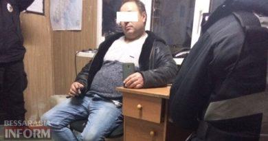 На КПП в Кирничках задержатели жителя Измаильского района, который вызвался подвезти 16-летнюю студентку и изнасиловал ее