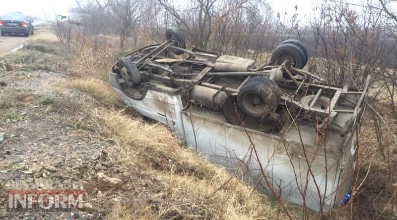 """На трассе """"Одесса-Рени"""" произошло ДТП с участием двух грузовиков. Один из автомобилей перевернулся"""